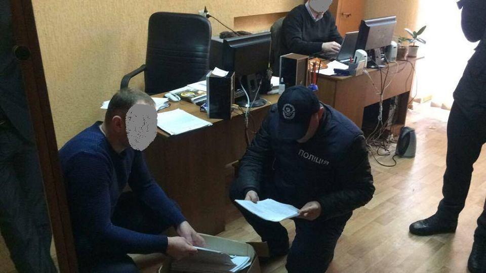 ВКиевской области навзятке $100 тыс. схвачен чиновник райгосадминистрации