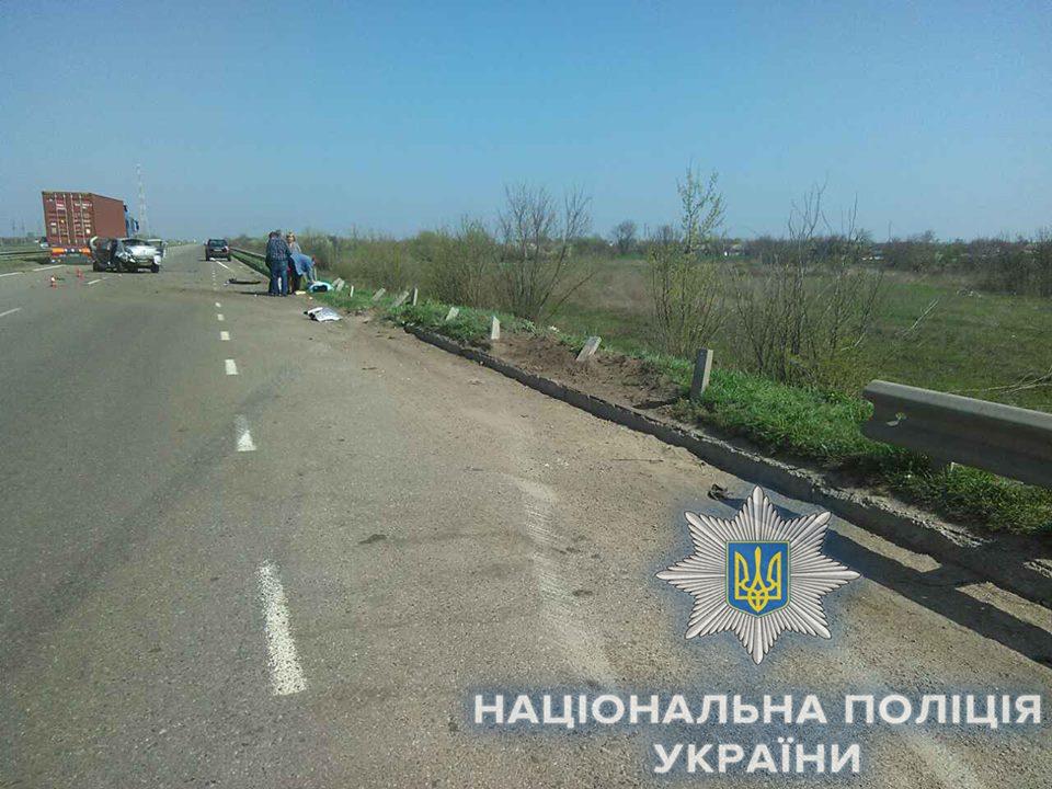 В Одесской области на кладбище погибла 3-летняя девочка