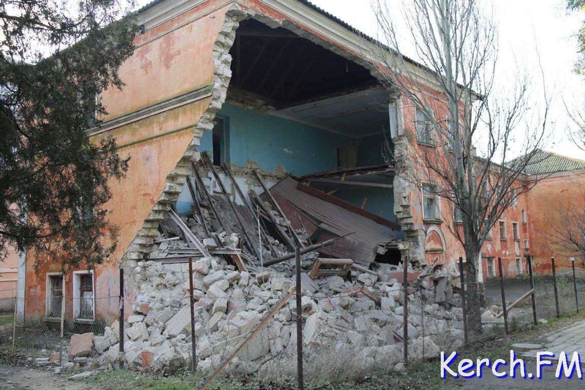ВКерчи рухнуло сооружение университета