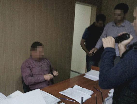 Детективы НАБУ приняли полтавского судью навзятке
