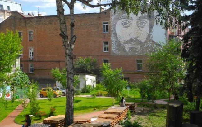 Сквер Небесной сотни окончательно вернули Киеву
