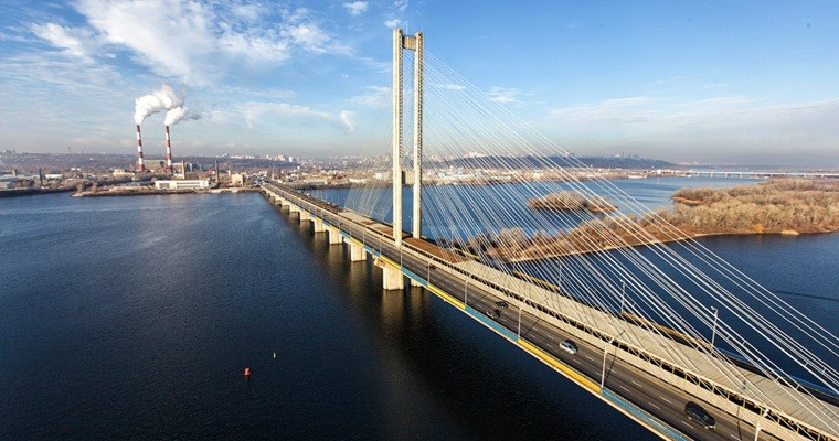 ВКиеве движение транспорта поЮжному мостовому переходу будет ограничено