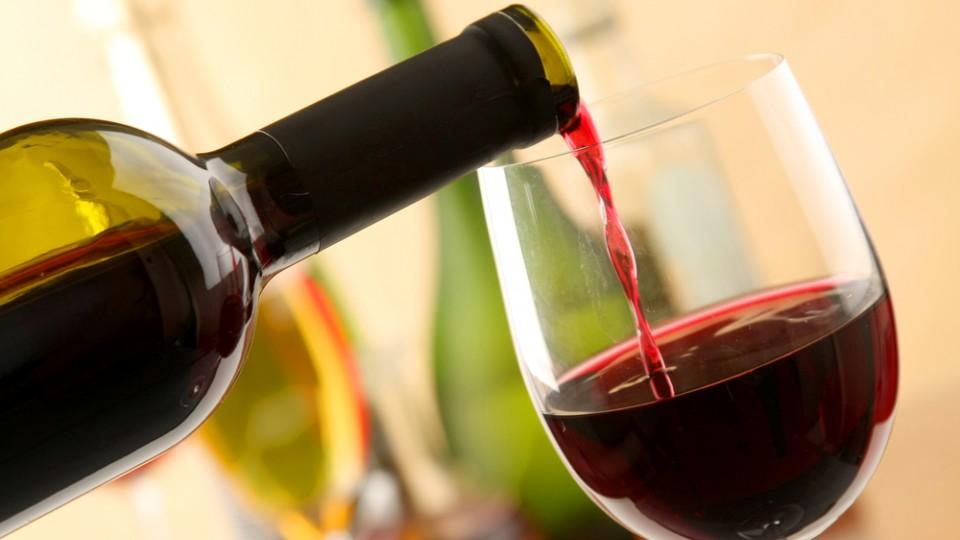Президент Шри-Ланки снова запретил продавать алкоголь женщинам