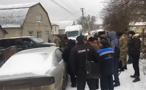 Оккупанты вКрыму устроили новые обыски изадержали 2-х крымских татар