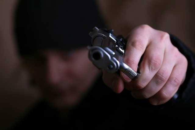 НаХерсонщине встолкновении охранников учреждения снеизвестными ранения получили шесть человек