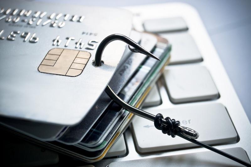 Верховный Суд решил, кто отвечает за безосновательное списание денег с банковской карты