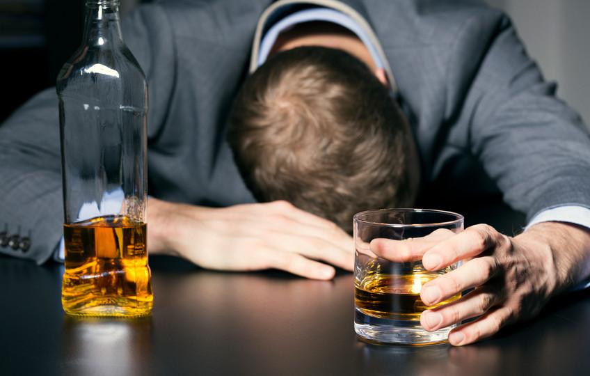 Какое воздействие спирт оказывает насердце,— ученые