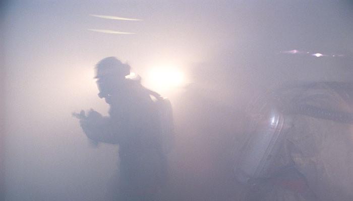 Cотрудники экстренных служб эвакуировали изТРЦ вБердичеве сотни человек из-за сильного задымления