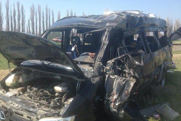 В Крыму маршрутка столкнулась с поездом, есть погибшие