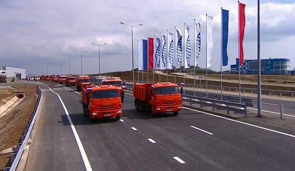 Заполсуток работы Крымского моста побит рекорд Керченской переправы