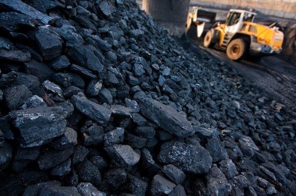 Россия спешно вывозит уголь из оккупированного Донбасса