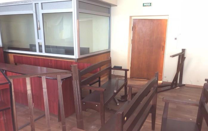 ВЧеркасах активісти розтрощили зал суду