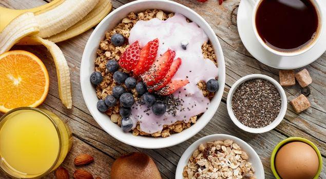 С какими продуктами стоит начинать день: топ-6 полезных завтраков