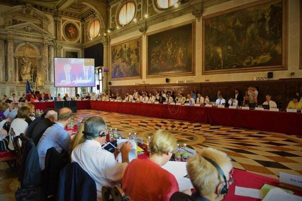 Оприлюднено переклад висновку Венеціанської комісії щодо нової судової реформи