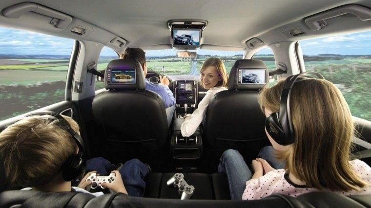 Надежность и комфорт: назвали лучшие автомобили для всей семьи