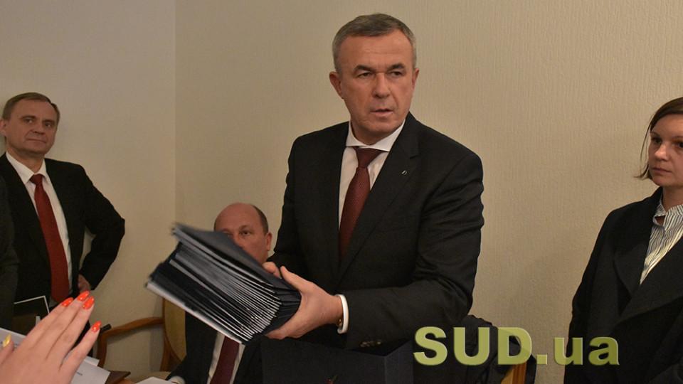 Глава ГСА Зеновий Холоднюк подал в отставку