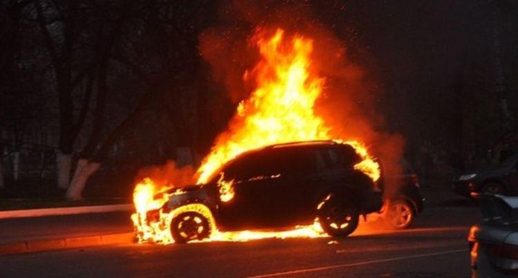 Судье после Нового Года сожгли автомобиль