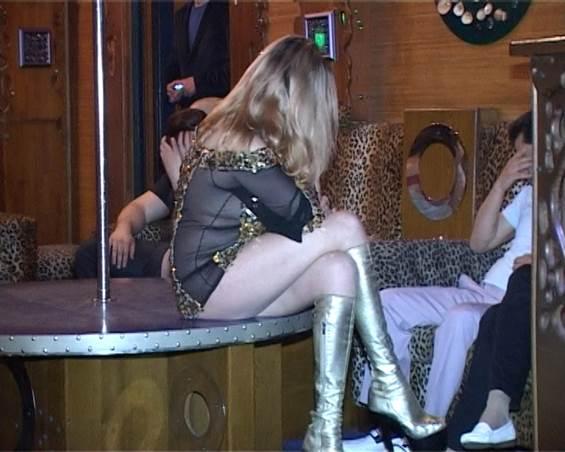 милиция задерживает проституток транссексуалов-дь2